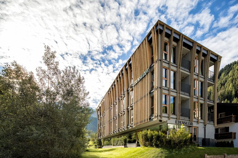 Mountain design hotel eden selva sarah gasparotto paolo for Design hotel eden
