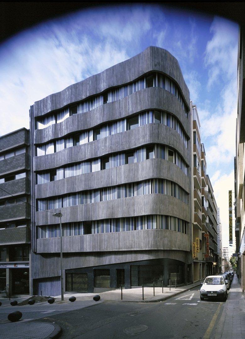 Bouza Building