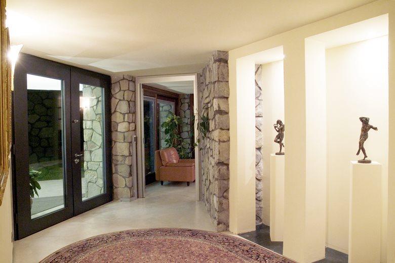 Villa in sasso