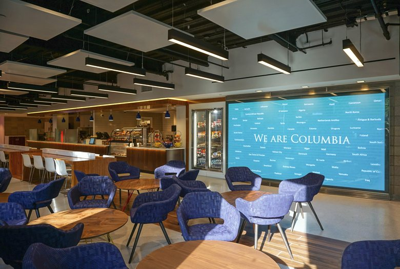 212 Cafe & Lounge