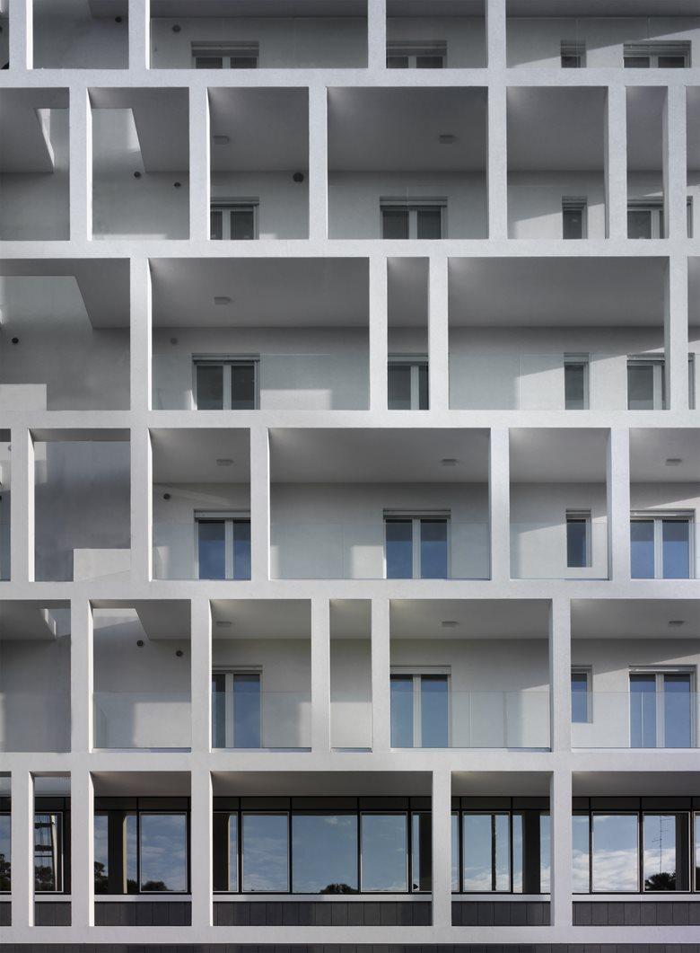 Edificio residenziale Omodeo 57