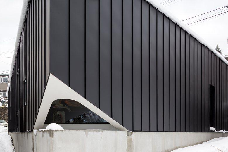 Triangular House by a.a.d