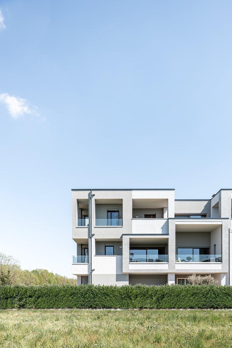 37 RZZ  Residential complex