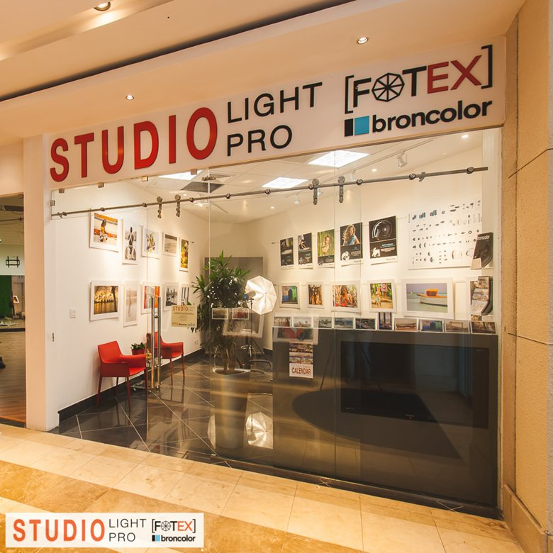 Photography Studio Gallery Showroom Elena Nathani Badrutt