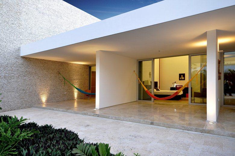 Rajuela House