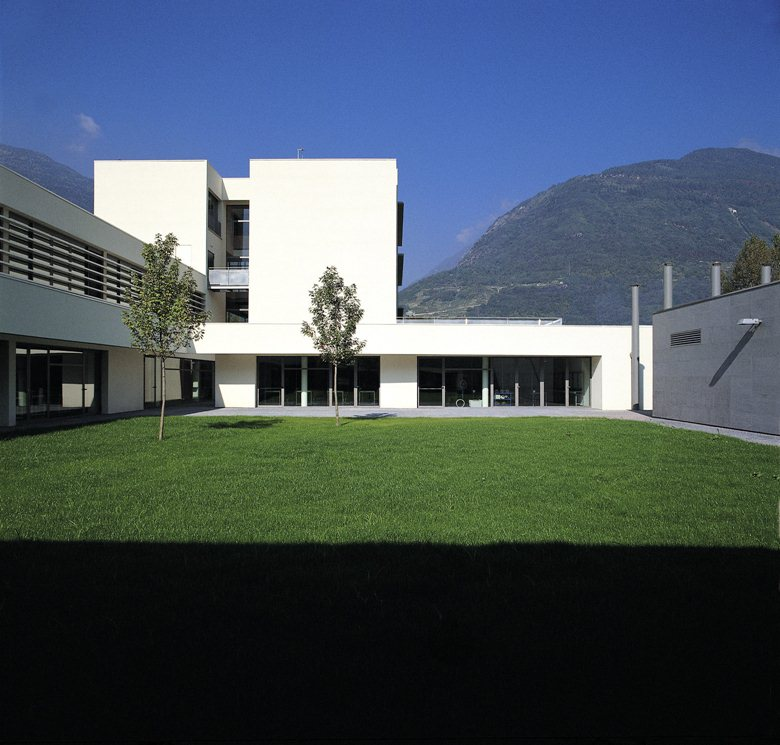 Nuovo edificio scolastico per l'istruzione professionale