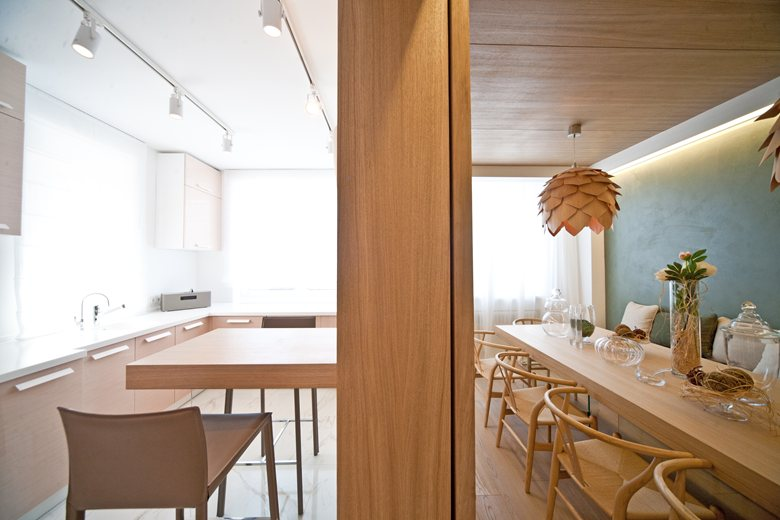 Kitchen / dining room with cones