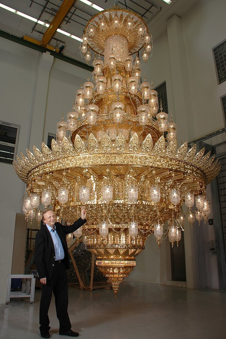 New chandelier from Ramingdorf for mosque in Muscat