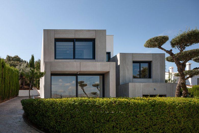 C&C HOUSE