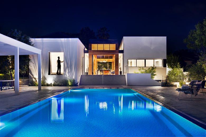 A Modernist Farmhouse