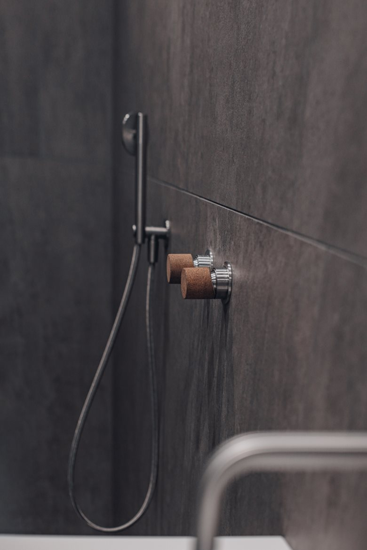 Un bagno, due anime