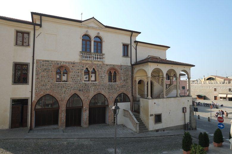 Restauro conservativo, consolidamento strutturale e messa a norma degli impianti dell'ex Monte di Pietà
