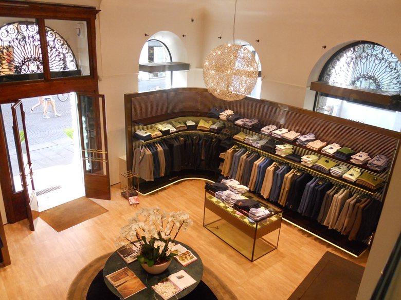 Negozio d'abbigliamento Pavin Elements