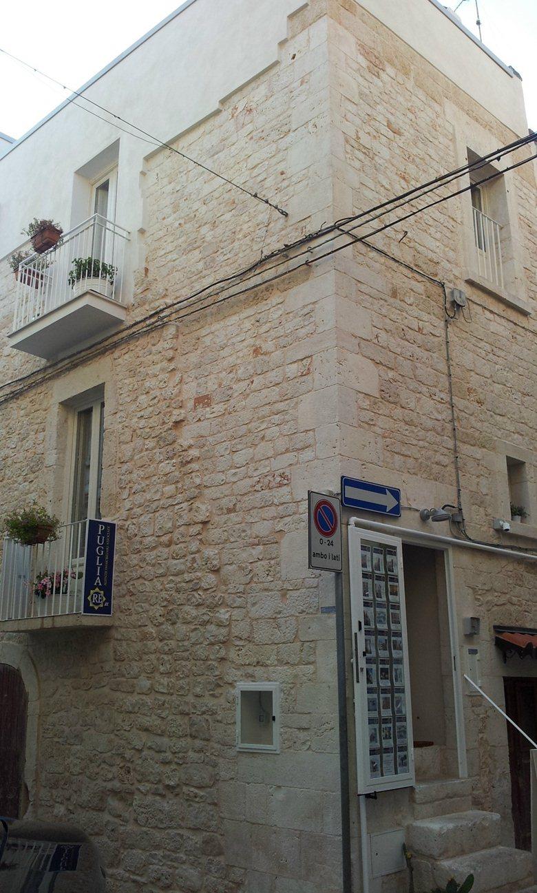 Restauro e risanamento conservativo abitazione in centro storico Conversano