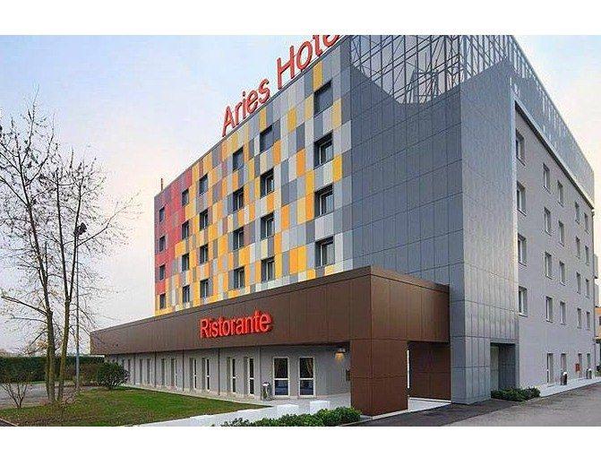 Riqualificazione architettonica ARIES HOTEL