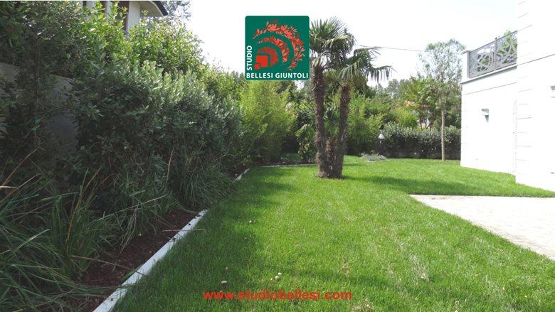 Mediterranean garden in Forte dei Marmi