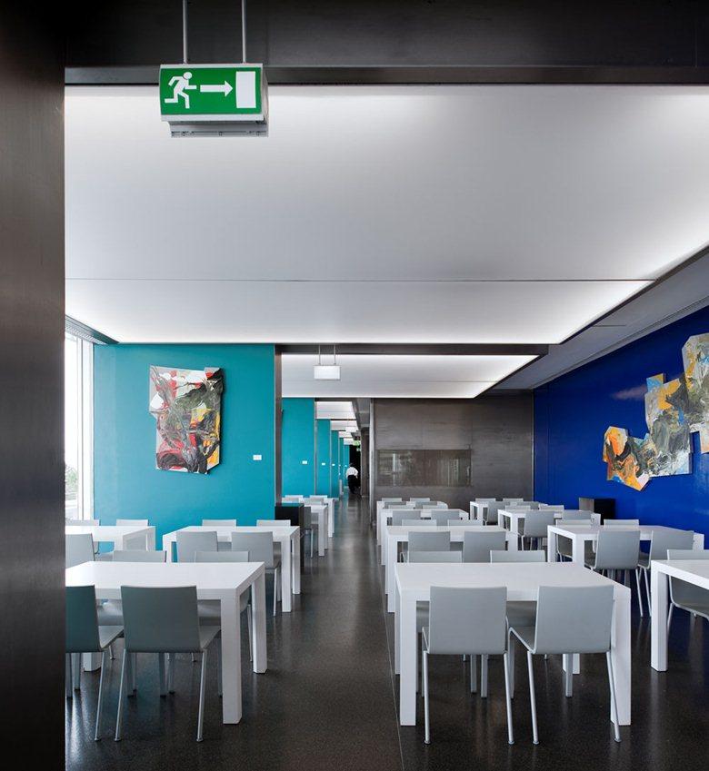 Restaurant  B&G (Blue & Green)
