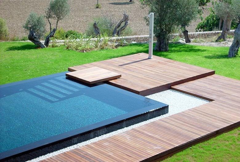 B2 Swimming pool