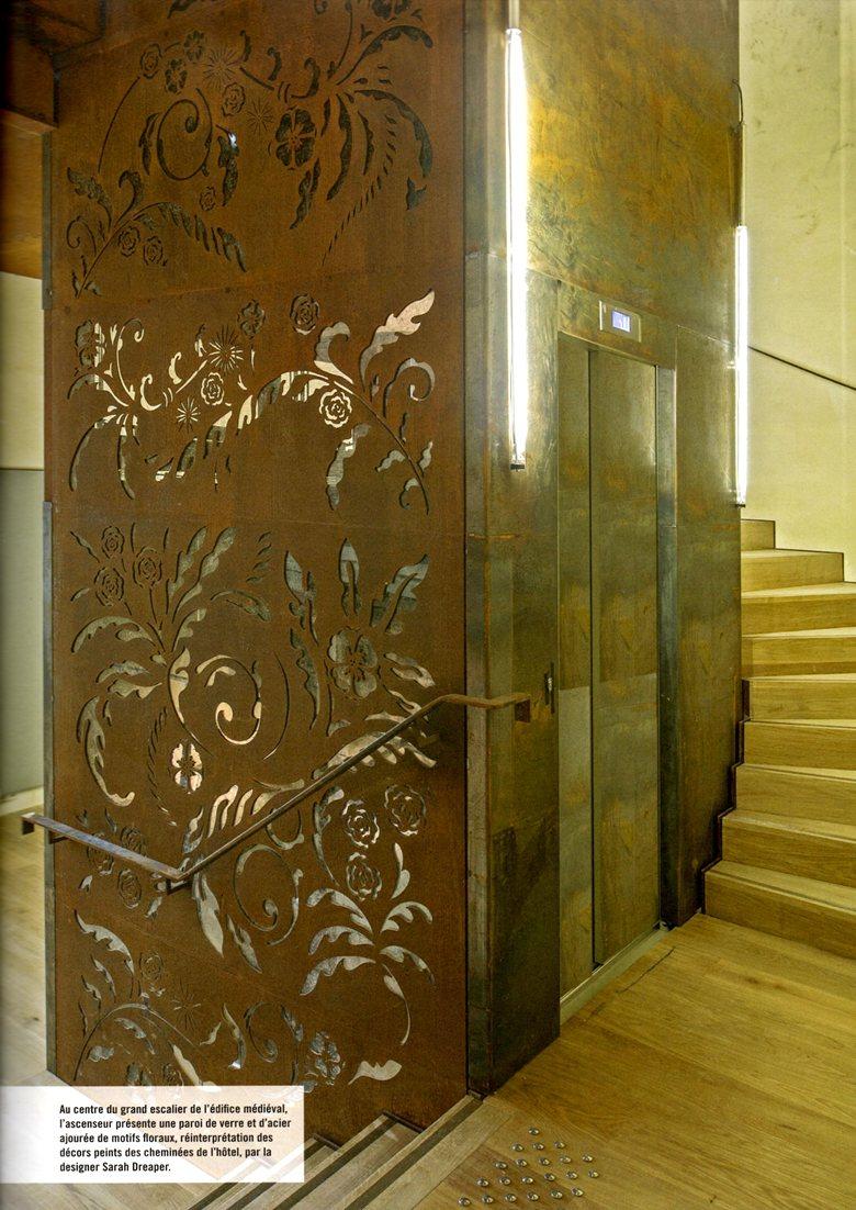 Réalisation de dessins originaux pour la cage d'ascenseur de l'Hôtel Tyndo, conservatoire de musique, de danse et d'arts dramatiques.
