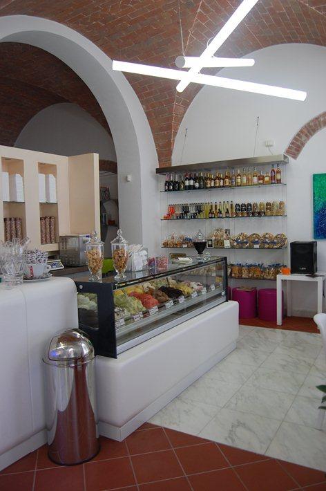 Bar Gelateria CYBO