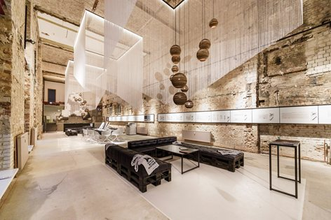 A space – temporary showroom