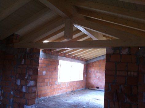 Progetto e Direzione lavori Strutturali relativi a rifacimento di coperture in legno con relativi cordoli in c.a. di copertura