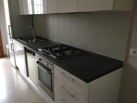 Re-color rivestimenti e pavimento in ceramica con Kerakoll Design House Microresina