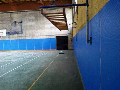 Rivestimento murale ed angolari per impianti sportivi con protezioni Top surface