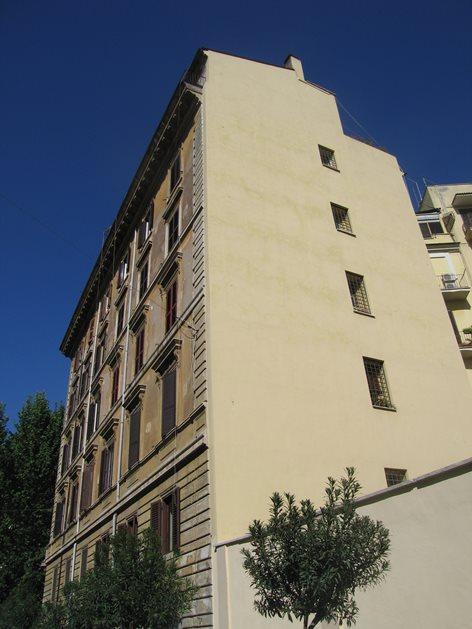 Consolidamento di un prospetto di fine '800 in Via Guicciardini all'Esquilino