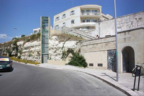 Proposta per un elevatore panoramico a Otranto, lungomare Kennedy