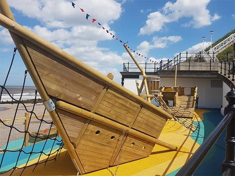 Gioco a tema nave relitto per parco giochi