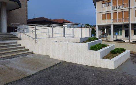 Abbattimento barriere architettoniche chiesa parrocchiale di Stra