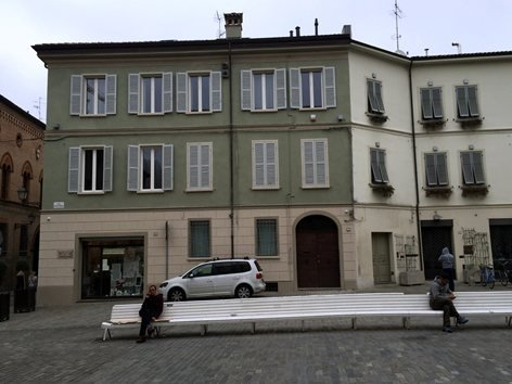 PIAZZA SCAPINELLI