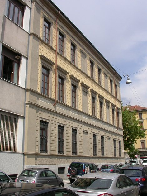 RESTAURO DELLE FACCIATE DELL'ISTITUTO I.P.S.I.A. PACINOTTI A MILANO