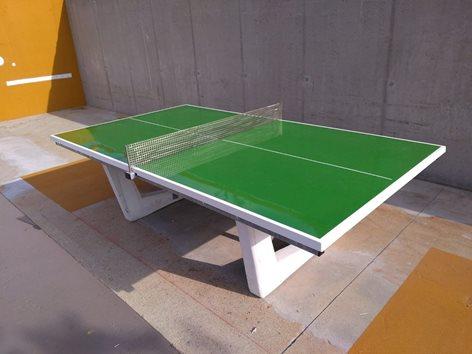 Tavolo da ping pong da esterno in calcestruzzo