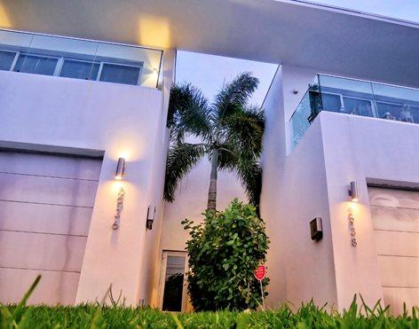 W_house Miami