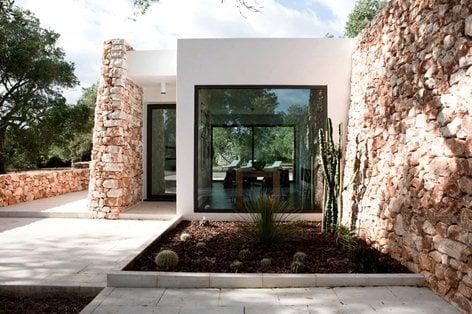 Casa nel bosco di ulivi