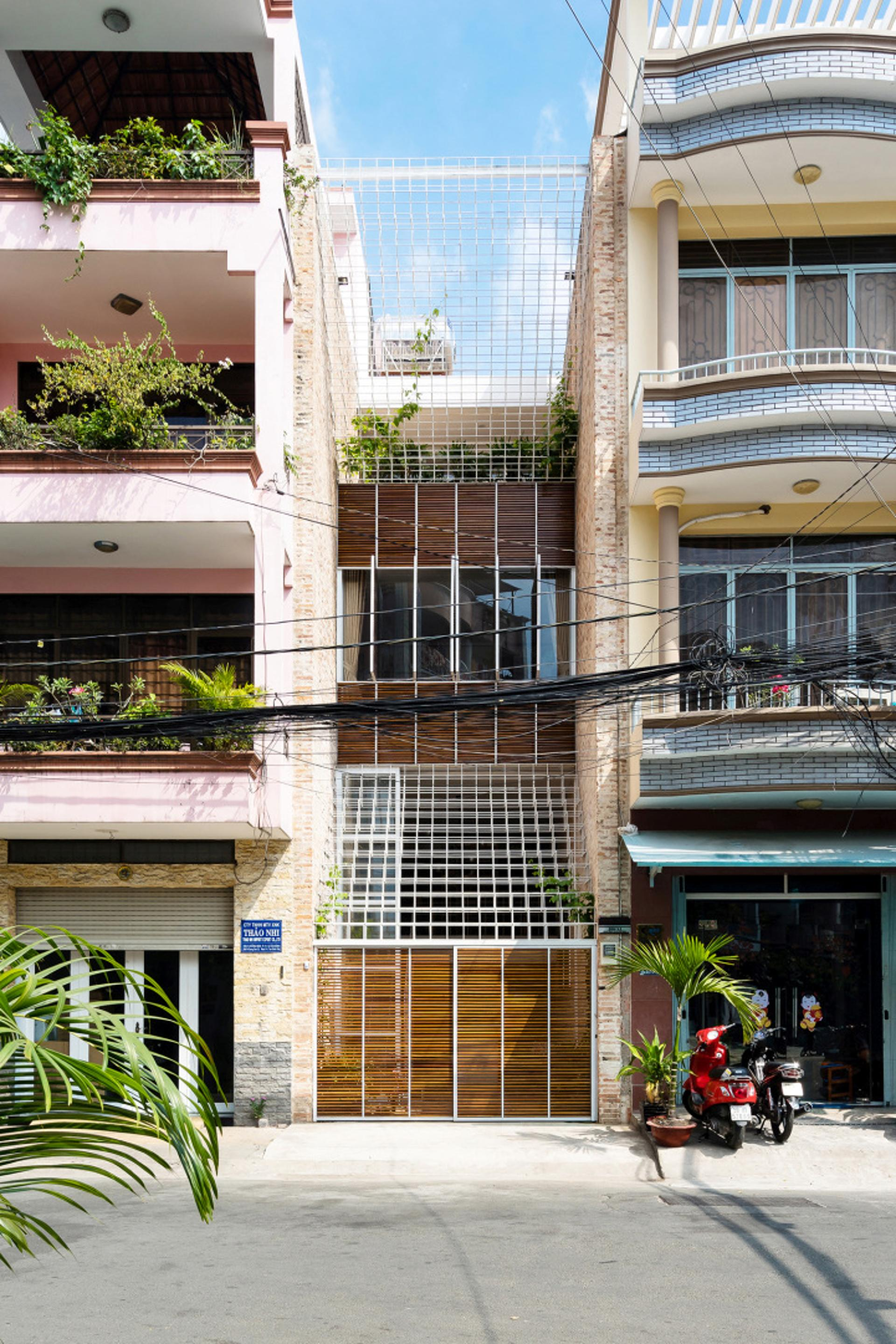 Lee Tee House Block Architects