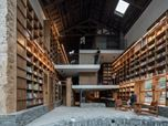 A rural capsule hotel in a bookstore
