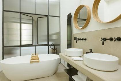 TARA | Wall-mounted washbasin tap
