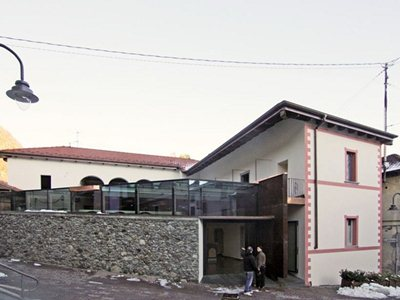 'Intorno al cortile': Studioata's renovation and extension around a courtyard