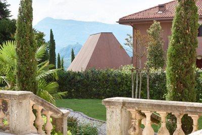 HomeStory: Villa Baronessa