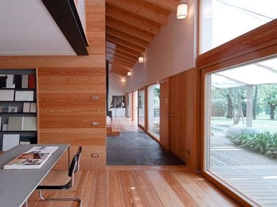 The Wooden House by mmpstudio in the natural park of the River Sile