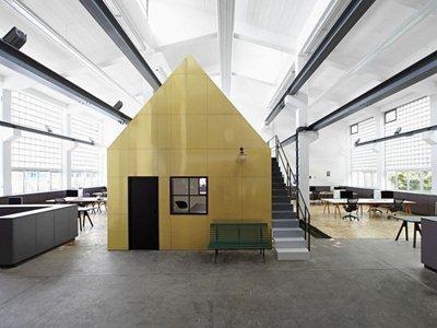 The Halle A offices in Hamburg by designliga