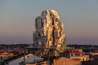 Gehry's latest futuristic wonder is a van Gogh-inspired tower