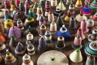 Plastic bottles: from containers to colorful ceiling lamps