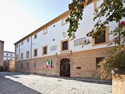 Palermo: Gae Aulenti returns Palazzo Branciforte to the city