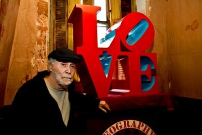 Pop Artist Robert Indiana known for 'LOVE' series Dies at 89