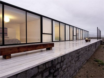 W House: the house on the Pacific Ocean designed by 01arq