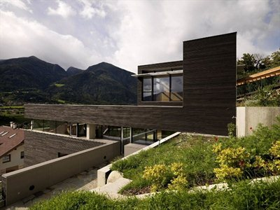 Haus D: the function determines the composition rules